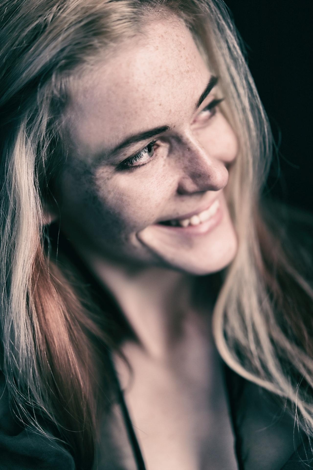 Attraktive Offenblende: Portraits bei Blende 1,4 - Canon Academy Portrait