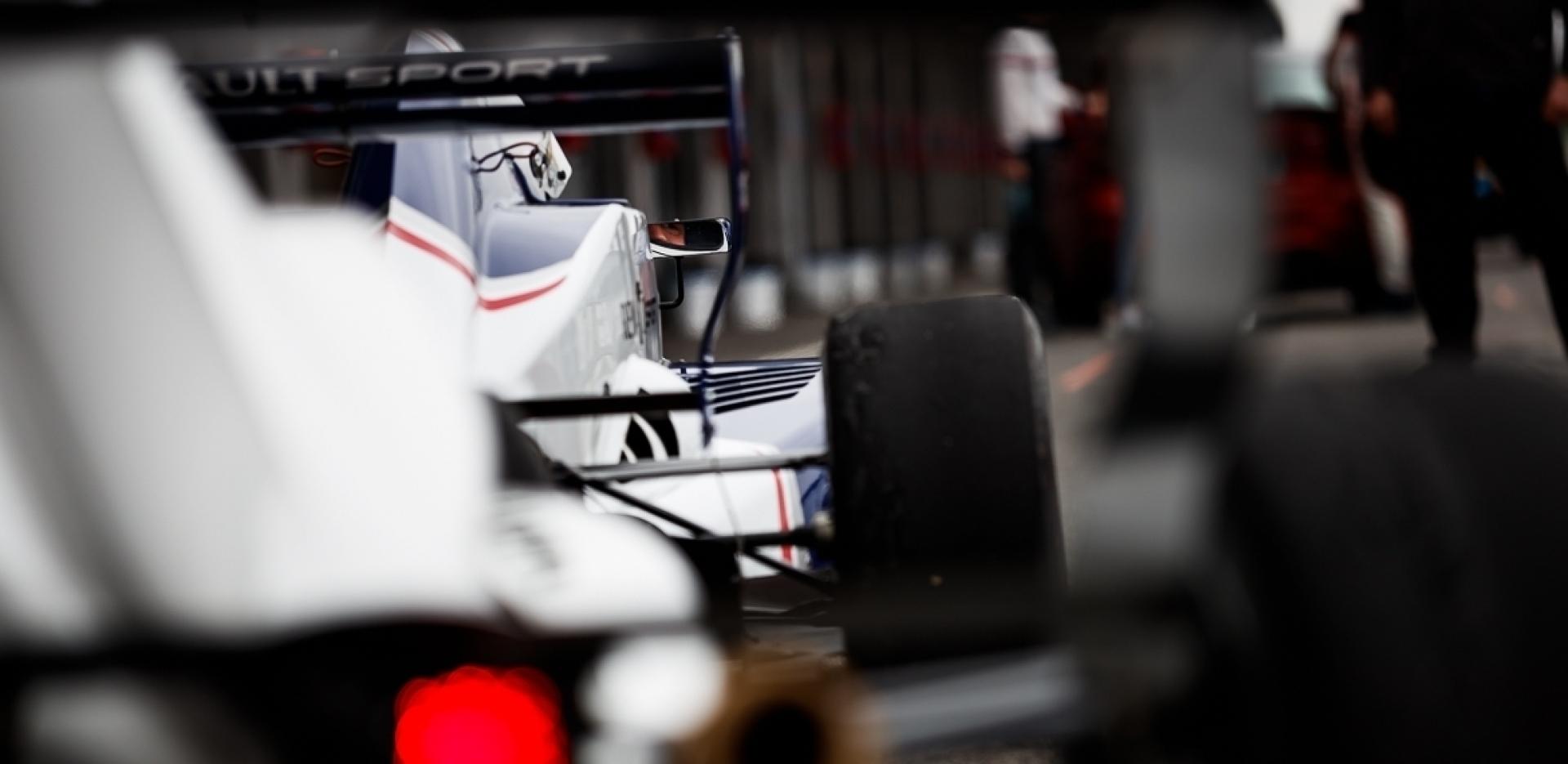 Motorsportfotografie hautnah beim Formelfeeling- exklusiver Trackday am Pannoniaring - Canon Academy Sport