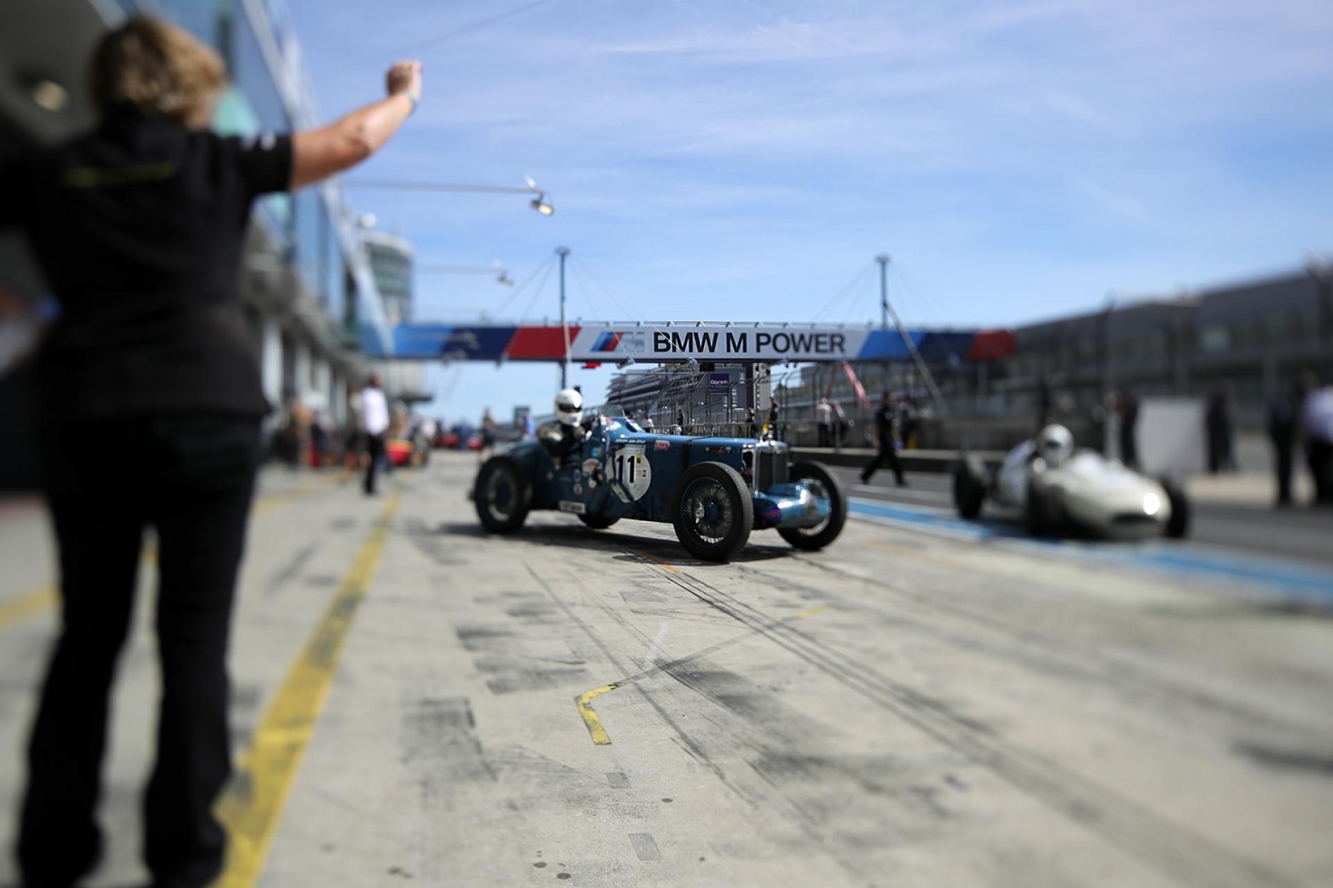 Von Mythen und Motoren – AvD-Oldtimer-Grand-Prix: drei Tage historischer Motorsport total - Canon Academy