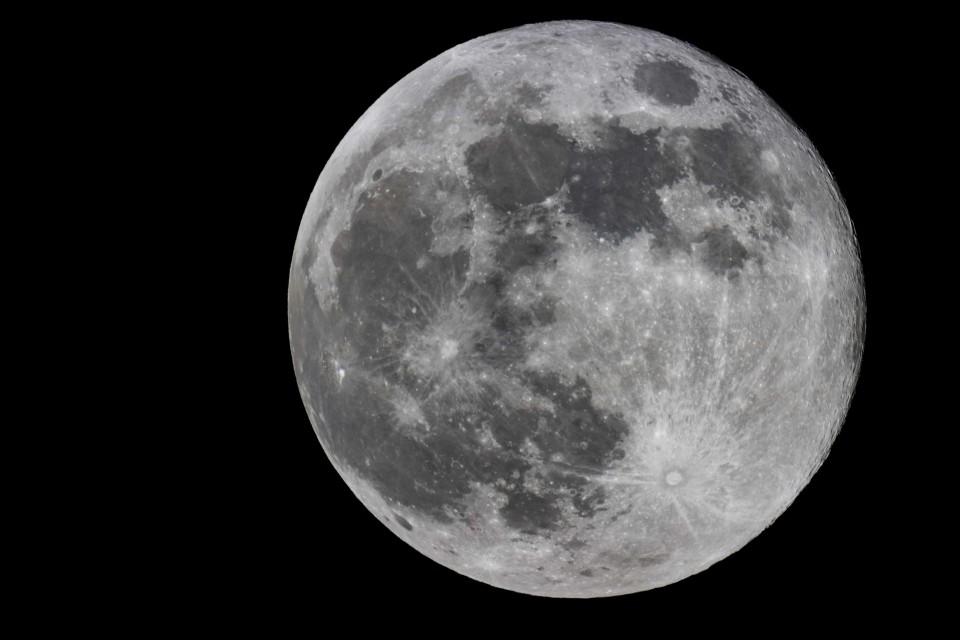 Petra Selbertinger Mond close-up